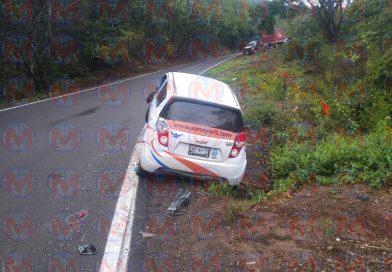 Se registra accidente sobre la carretera federal 200