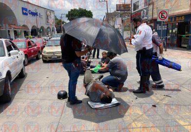 Dos heridos deja accidente en el centro histórico de Tepic