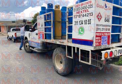 Menor de edad es embestido por camión gasero en Tepic