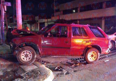 Se registra aparatoso choque en la zona centro de Tepic
