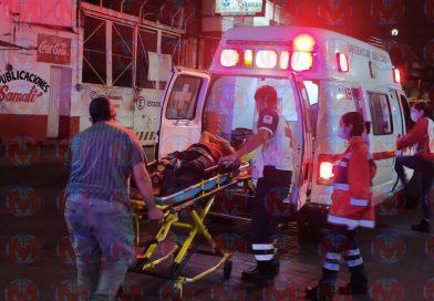 Motociclista sufre accidente en la zona centro de Tepic