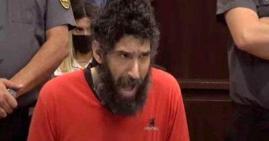 Cancelan juicio del 'Hombre gato': el acusado no dejaba de maullar